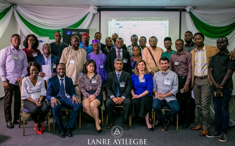 FLEXIS team - Ms Khadijat Jose and Dr Oluwole Adeuyi who organised the NEF 2018 (far left, front row) with the hands-on session participants.