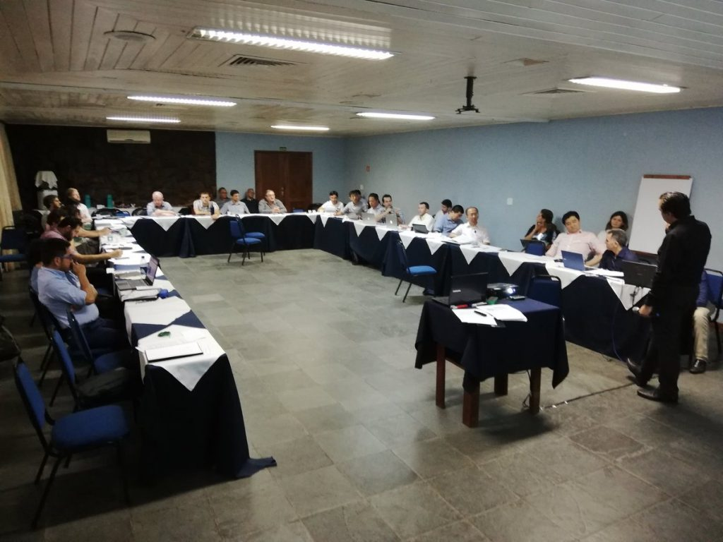 Mentor Dr Carlos Ugalde Loo is giving insights on writing a good journal article. Photo credit: Sam Williamson.